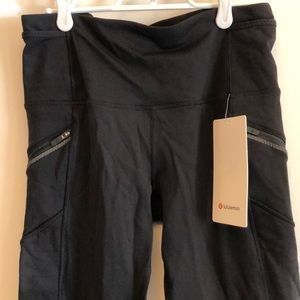 Lululemon black pants with sweat wicking fleece